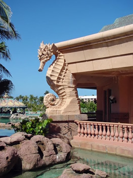 GFRS sculpture at the Atlantis Resort